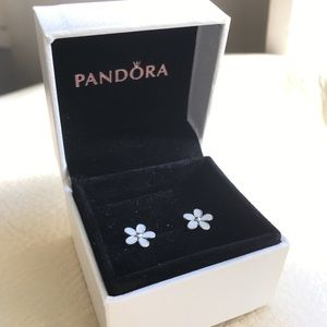 PANDORA Darling Daisies Stud Earrings,White Enamel